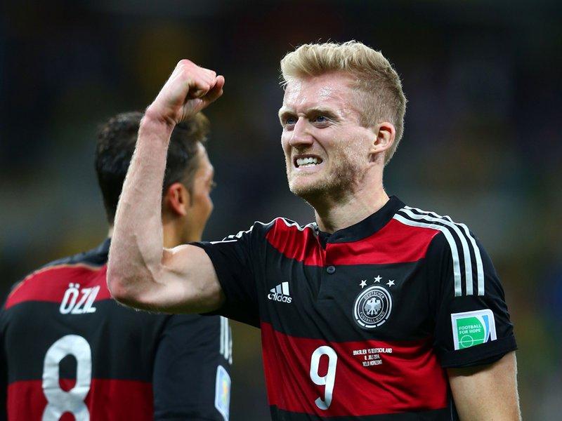 602 - 8 X 6 Photo - Footbal - FIFA World Cup - Brazil V Germany Andre Schurrle Celebrates