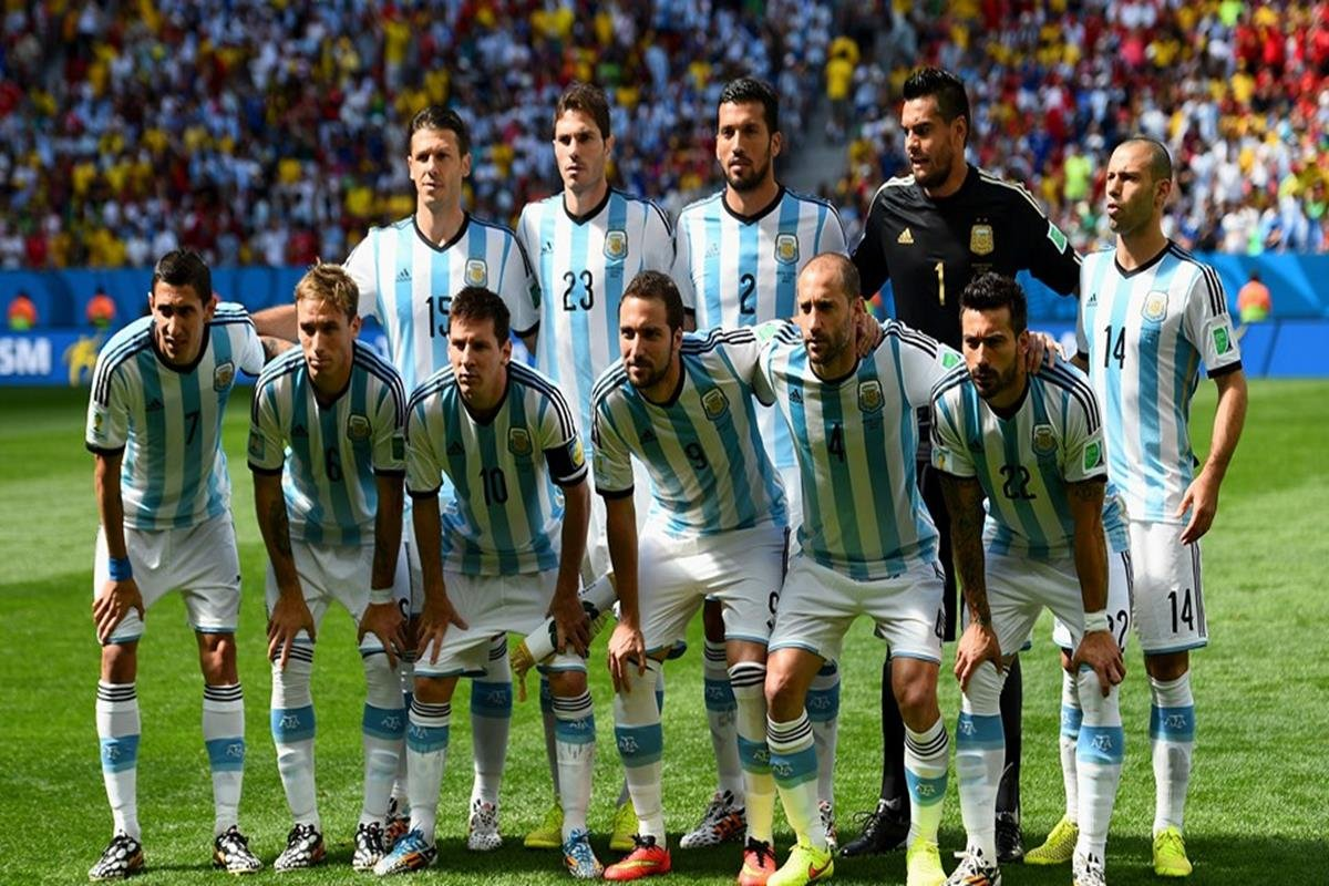 043 - 12 x 8 - 2014 World Cup Finalists - Argentina