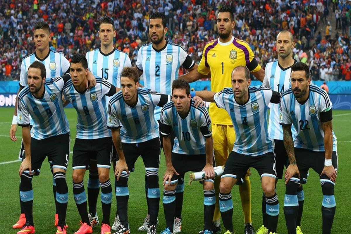 087 - 12 x 8 - 2014 World Cup Finalists - Argentina