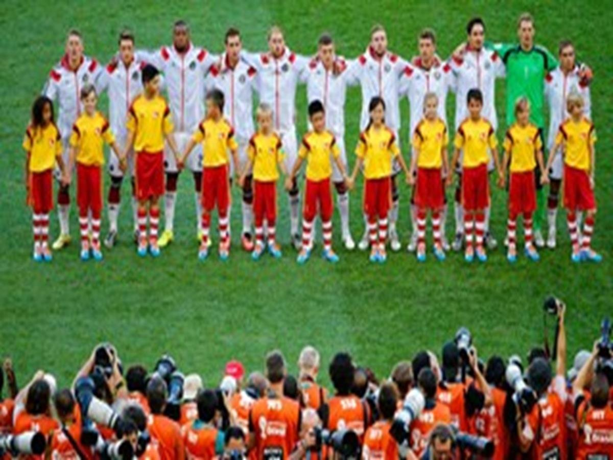 639 - 8 X 6 Photo - 2014 World Cup - The Final - Germany v Argentina - German Squad