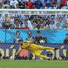 657 - 8 X 6 Photo - 2014 World Cup - The Final - Germany v Argentina - Sergio Romero