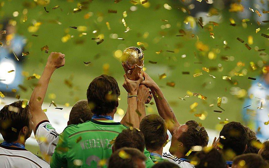 8 x 6 Photo - Football - FIFA World Cup 2014 WINNERS - GERMANY