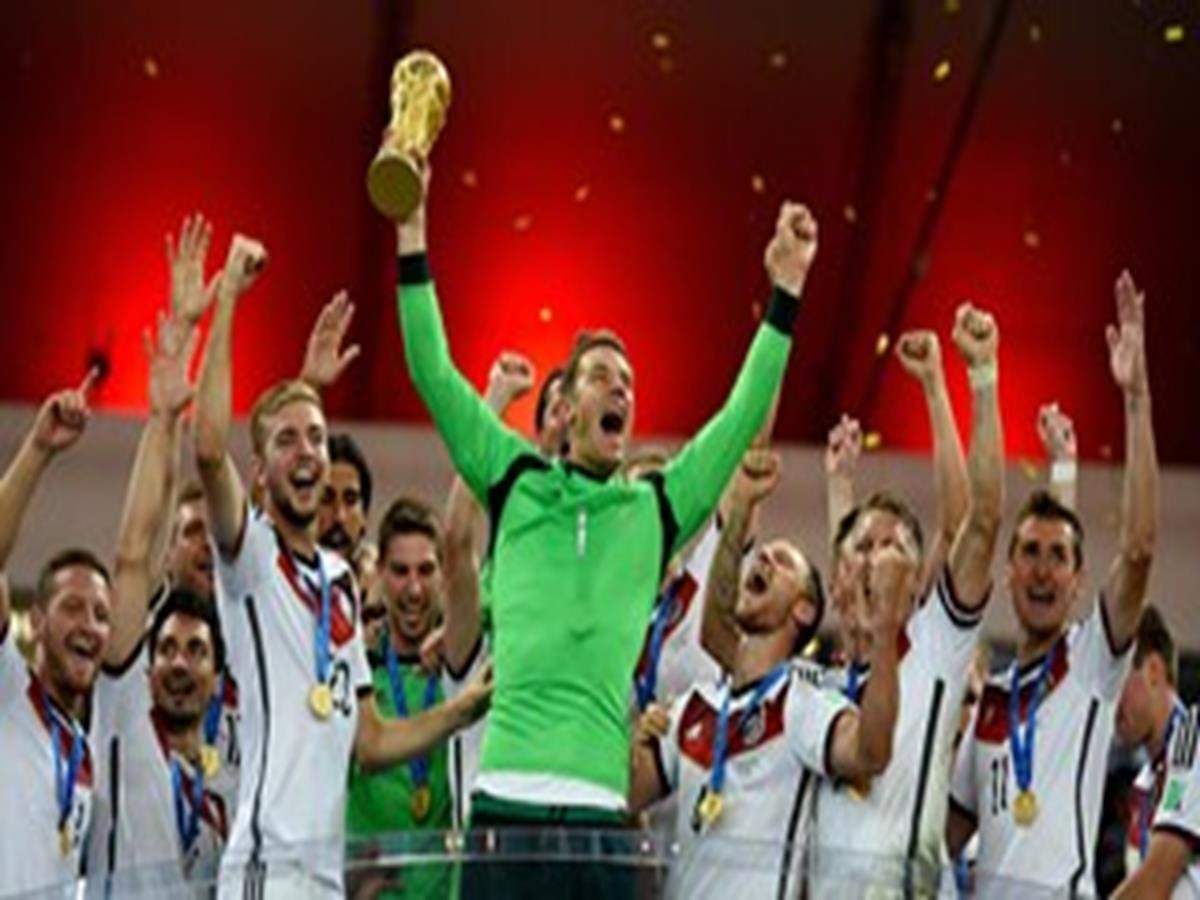 16 - 8 x 6 Photo - Football - FIFA World Cup 2014 WINNERS - GERMANY