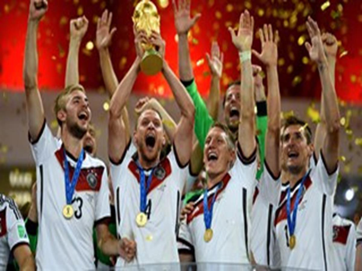 34 - 8 x 6 Photo - Football - FIFA World Cup 2014 WINNERS - GERMANY