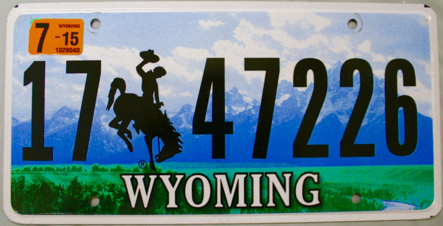 2015 Wyoming License Plate 17 47226