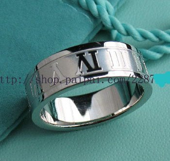 Beautiful Sterling new style Rome ring