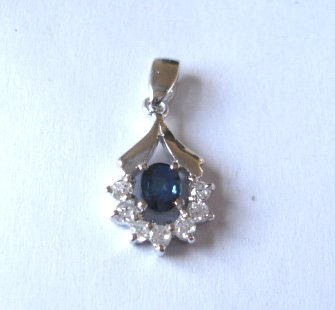 100% natural blue sapphire and sterling silver necklace pendant