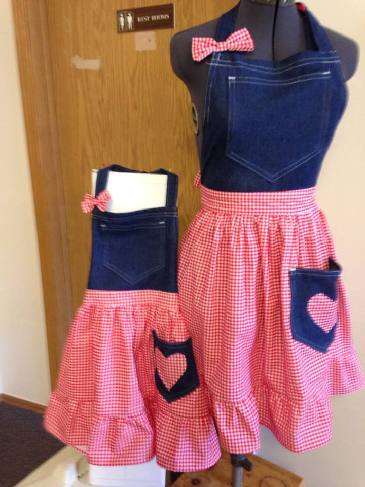 Matching Mother / Daughter Apron Sets