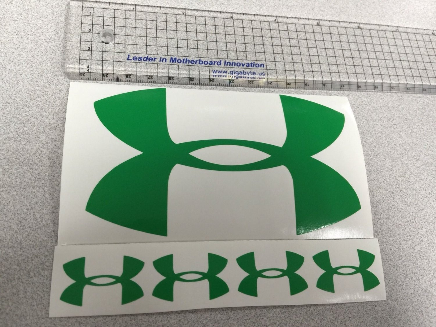 """Under Armour Decal Sticker Vinyl 1 Of 5"""" And 4 Of 1.25"""" green Window Surfboard"""