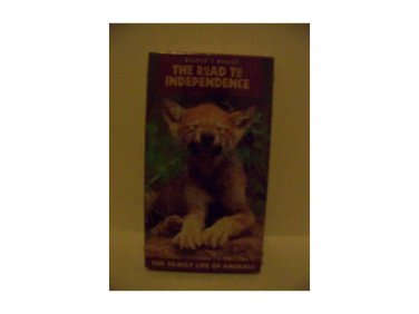 READER'S DIGEST: THE ROAD TO INDEPENDENCE, The family Life of Animals (VHS, 1998)