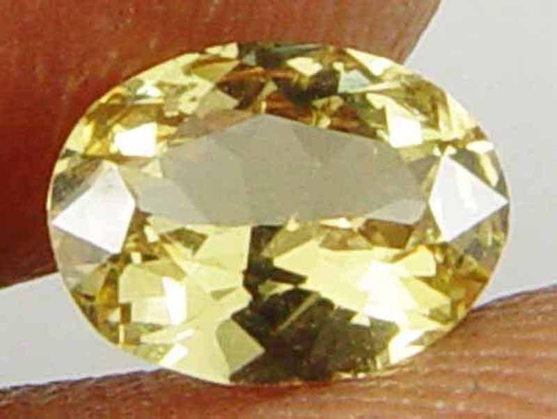 CHRYSOBERYL Natural 0.95 CT 7.37 X 5.61 MM Vibrant Yellow Fire Gemstone 11031523