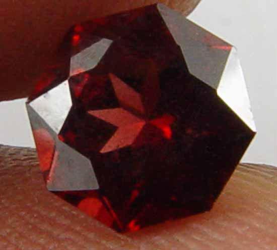 1.60CT Super Cut Glowing Red Natural Garnet 10061138
