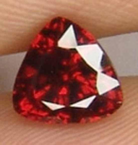 1.25CT Glistening Trillion 100% Natural Garnet 10100536