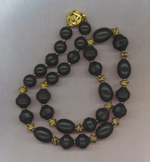 BLACK WOOD BEAD & BEAUTIFUL GOLD SPACER BEAD NECKLACE
