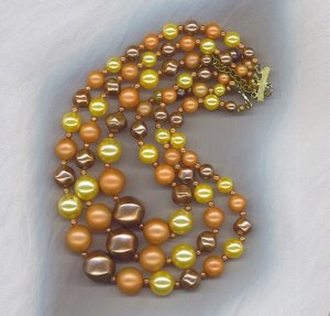 EXCEPTIONAL VTG. 3 STRAND PEARL NECKLACE