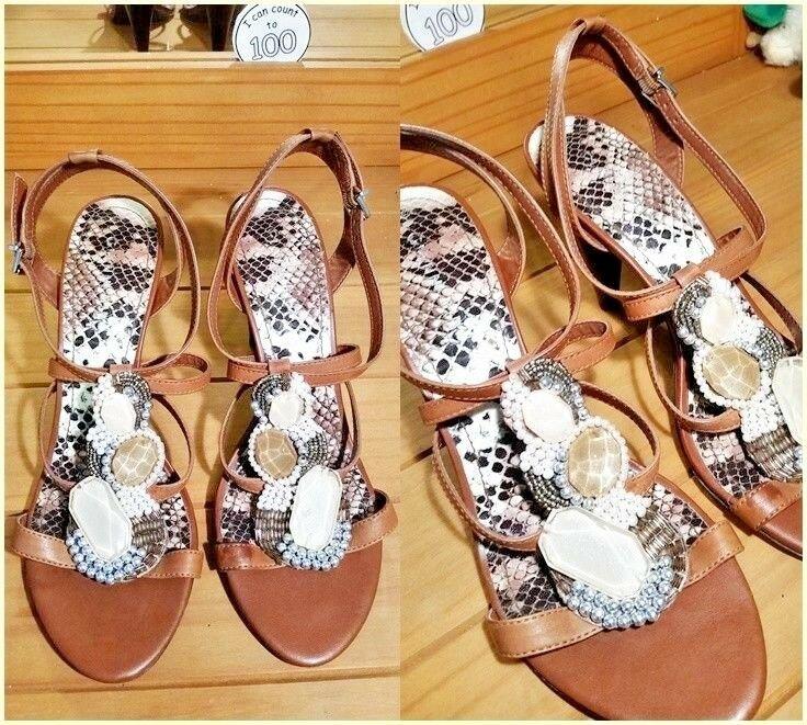 Gianni Bini Brown Leather Jeweled Thong Heeled Sandals Size: 8.5