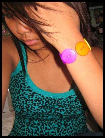 rainbow.button.bracelet