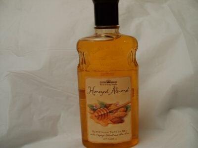 Bath & Body Works Honeyed Almond Refreshing Shower Gel 10 OZ