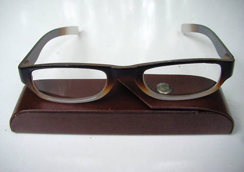 READING GLASSES BROWN/WHITE + 1.5 STRENGTH & CASE D500
