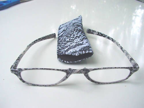 NEW SNAKESKIN PATTERN READING GLASSES & POUCH +2.0 D519