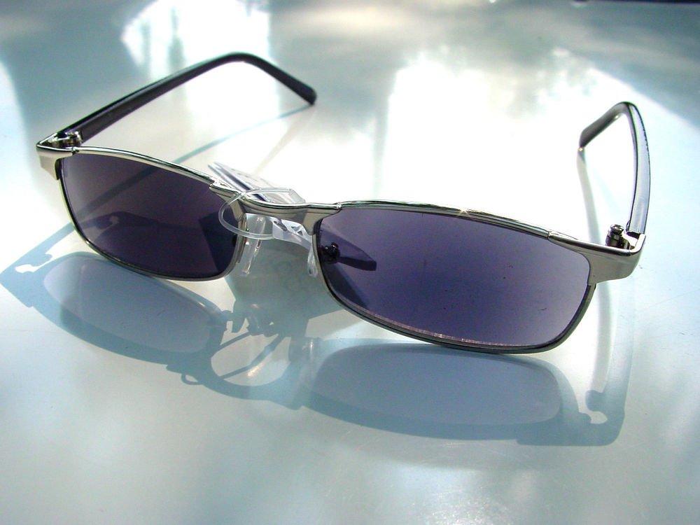 STYLISH TINTED READING GLASSES SILVER METAL FRAME DARK LENSES + 2.5 R1800