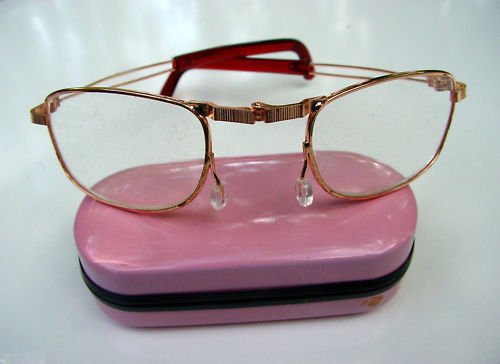 FOLDING READING GLASSES WITH PINK HARD CASE +2.75  F3