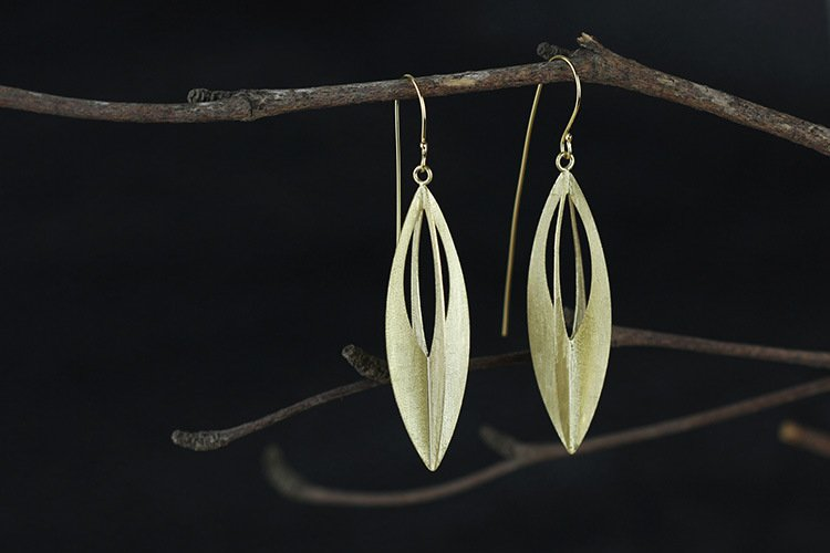 Gold Plated over Sterling Silver 0.925 stylish earring with long post