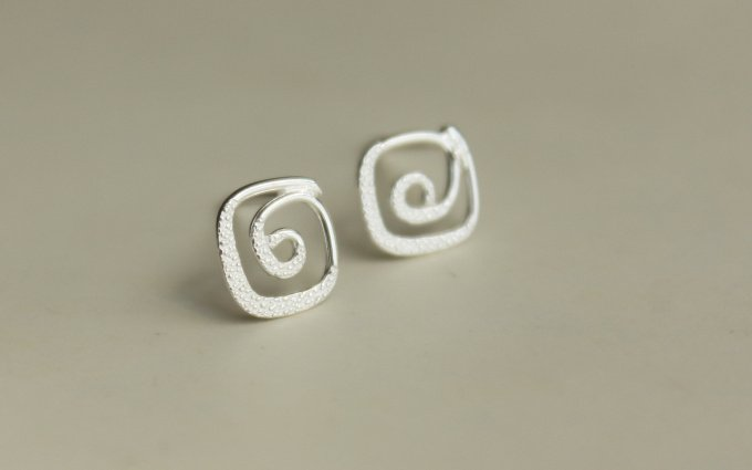 Sterling Silver 0.925 Spiral earring