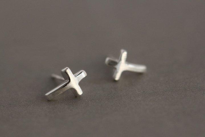 Sterling Silver 0.925 Cross Earring