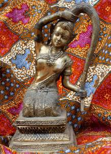 Old Asian Cambodian Khmer Bronze Sitting Lady
