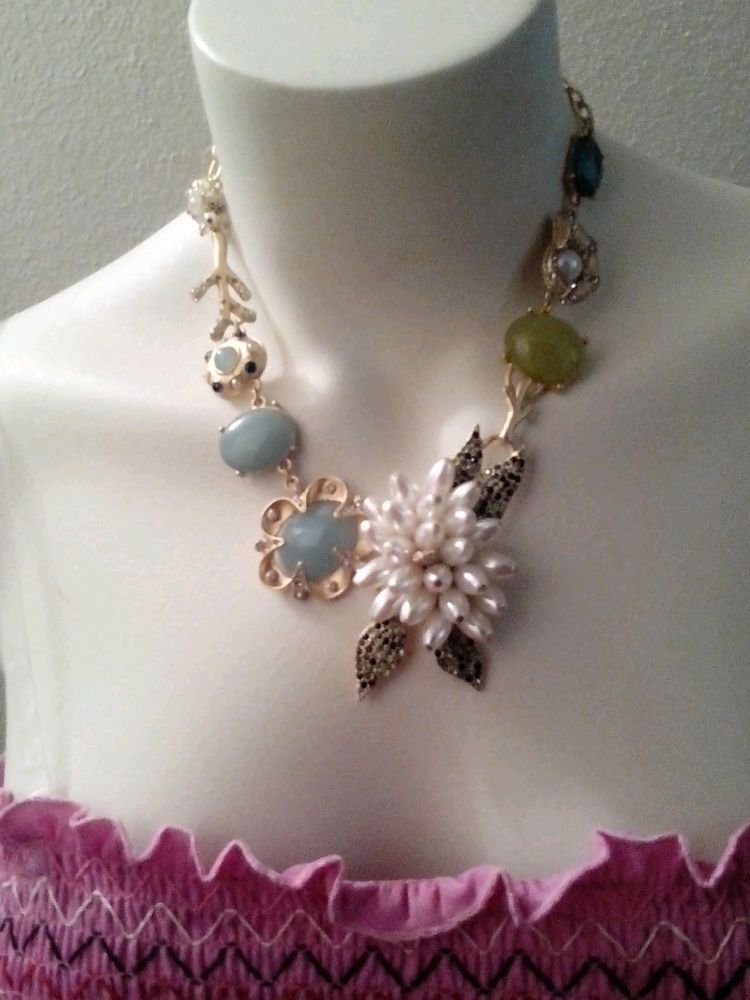 WOMENS VINTAGE INSPIRED NECKLACE WITH GORGEOUS RHINESTONES AND PEARLS