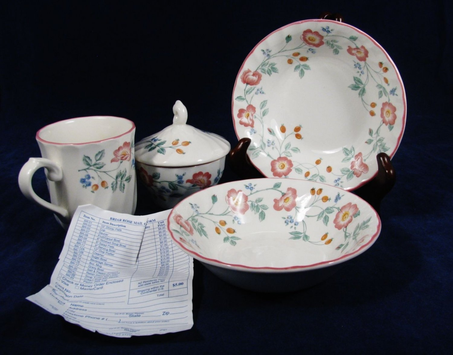 HERITAGE Mint  CHURCHILL Potters Set of Fruit Cereal Bowls Cup & Creamer England Fast Free Ship