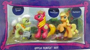 My Little Pony ULTRA RARE Apple Family Set w/FREE PONY BLIND BAG