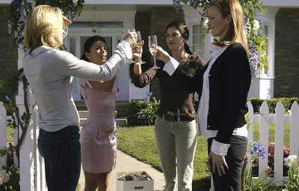 "TERI HATCHER EVA LONGORIA SIGNED X14 DESPERATE HOUSEWIVES TV ""PILOT"" SCRIPT RPT"