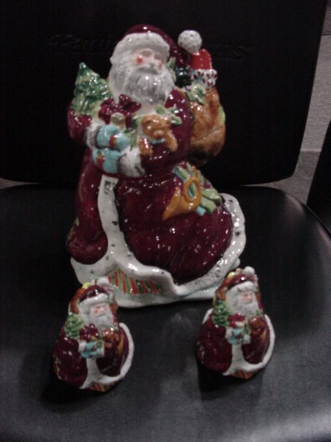 Santa Cookie Jar and salt&pepper shakers                     116