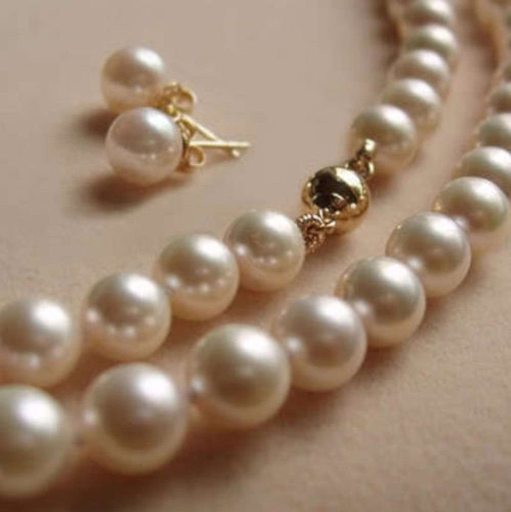 Pearl Necklace Akoya: AAA 8MM White Akoya Pearl Necklace & Earrings Set