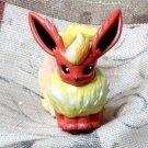 Pokemon Flareon TOMY Toy Figure NEW ! + TCG Trading Card 1 Holofoil & 15 non