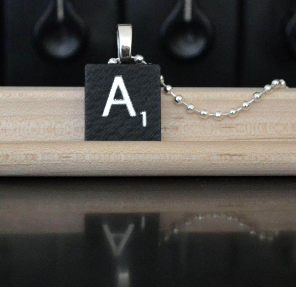 Initial ABCDEFGHIJKLMNOPQRSTUVWXYZ Black Scrabble Necklace Charm Key-chain Gift