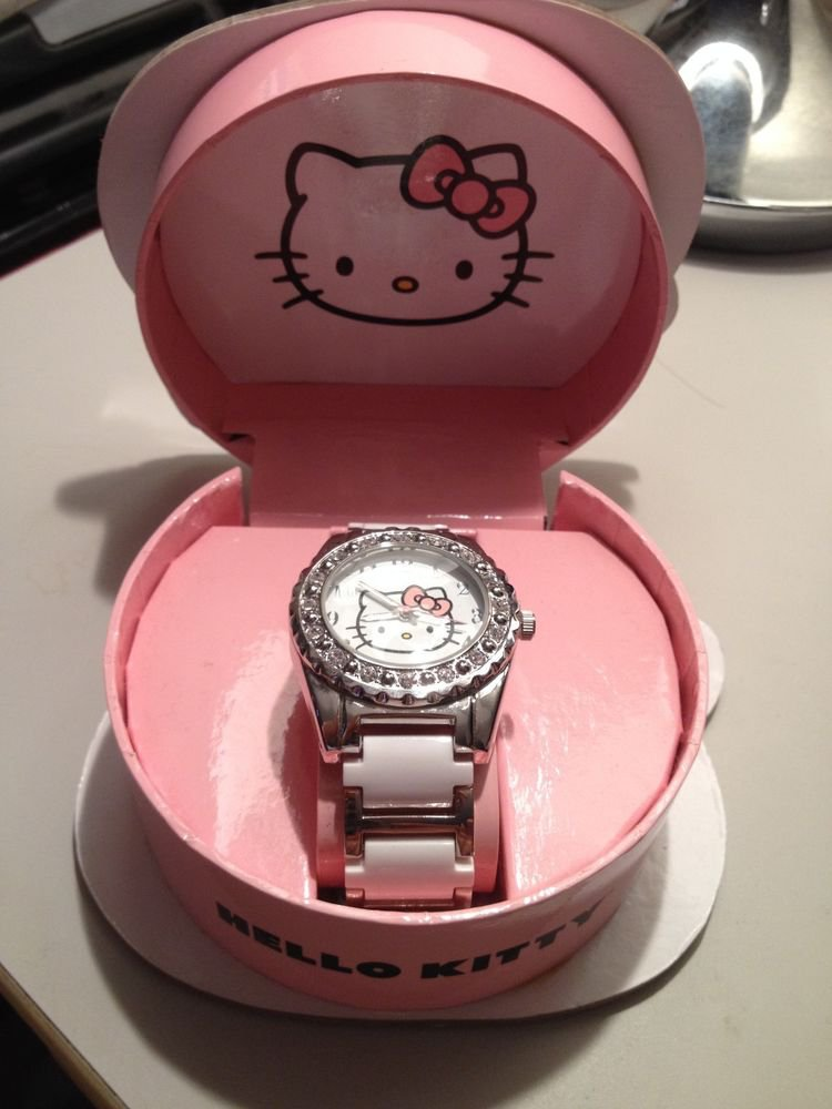 HELLO KITTY WATCH IN GIFT BOX-NIB
