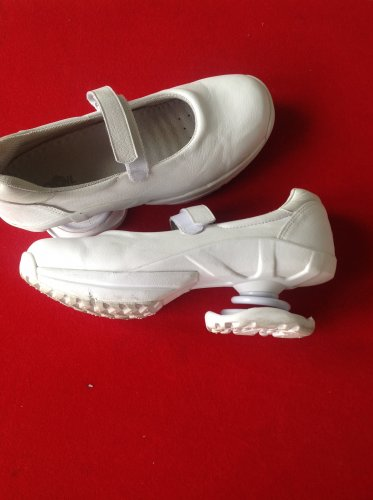 Women's Z-Coil Mary jane white leather shoes 10 Wide