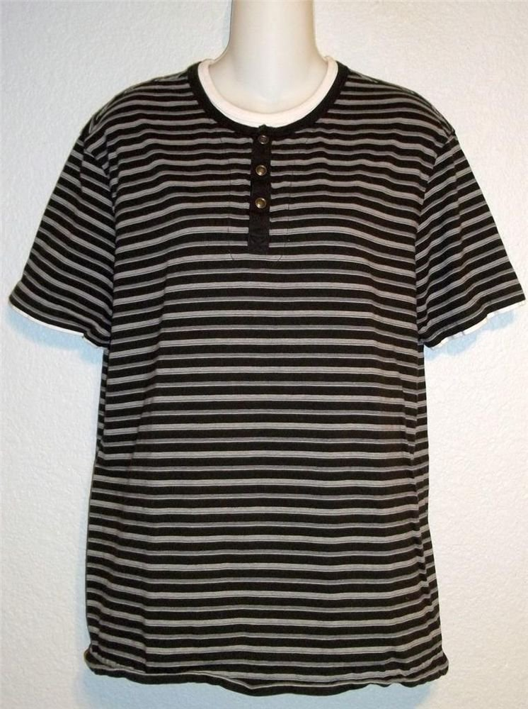 Roundtree & Yorke Casuals M Medium Men's Black White Striped Layered Knit Shirt
