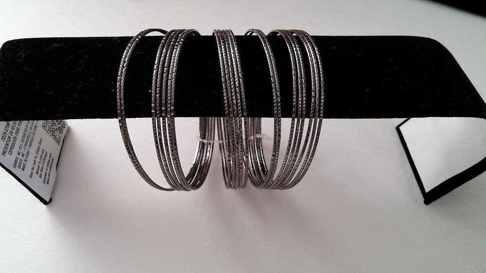 20 Metal Wired Bracelets