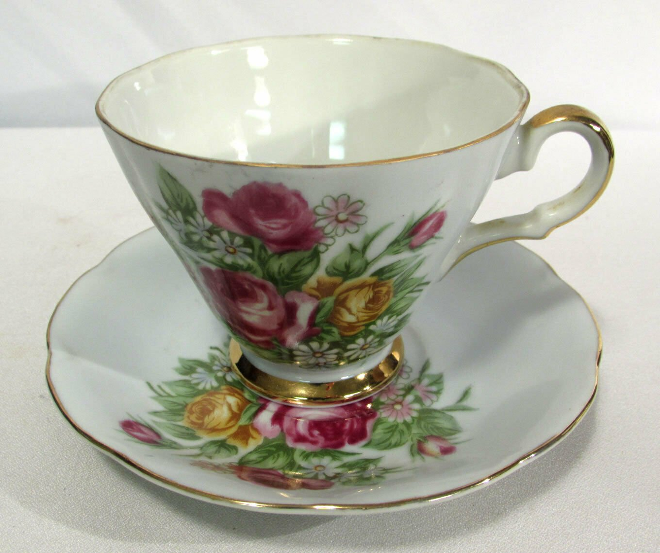Vintage Lefton China Cup & Saucer Floral Gold Trim 438 Roses Daisies NICE