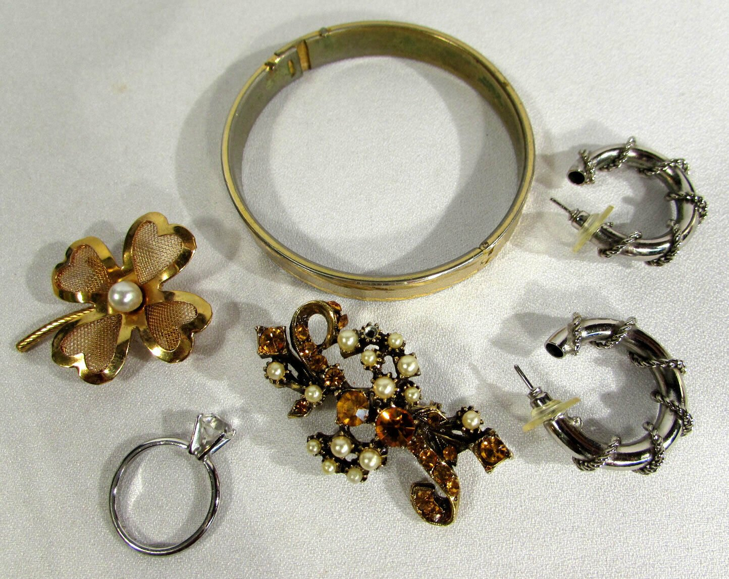 Vintage Mixed Lot Jewelry Bangle Bracelet Brooches Earrings Ring