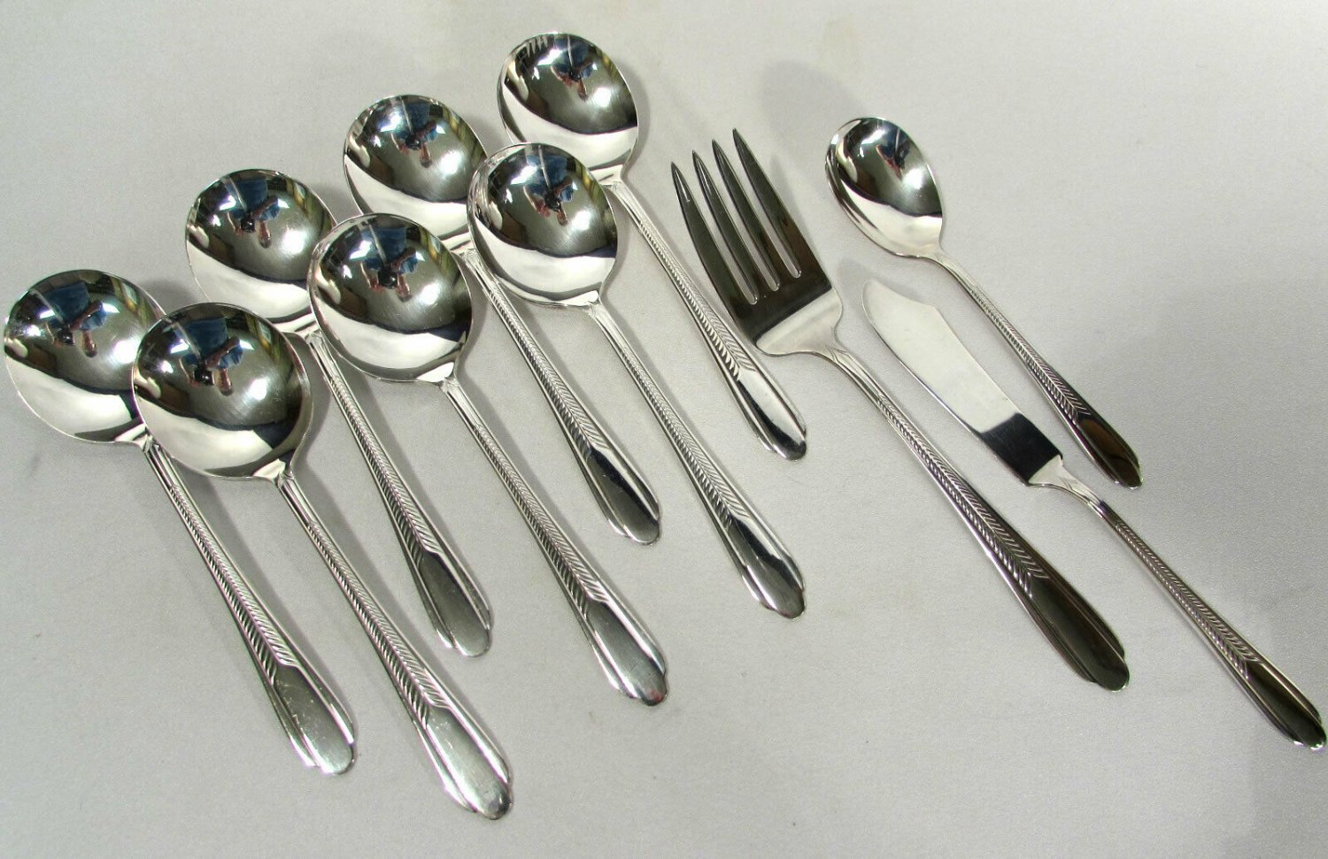 Monarch Plate Silverplate Soup Spoons (7) Sugar Butter Meat Fork 1935 Plume