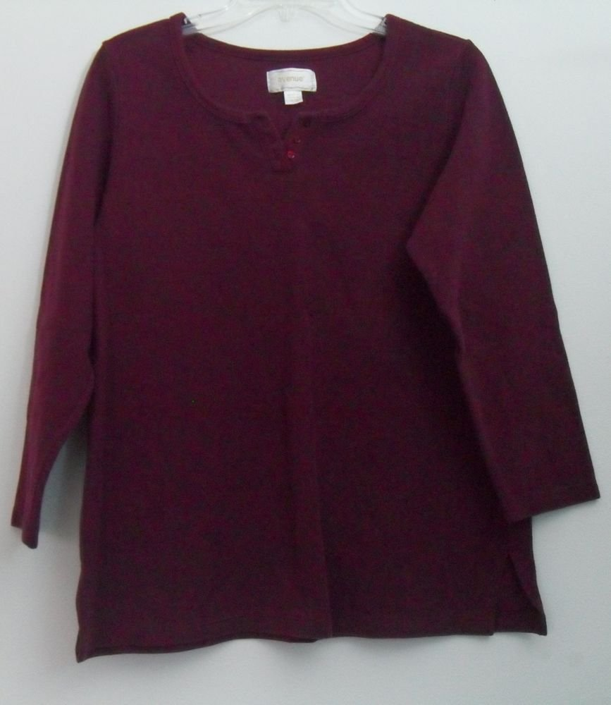 Avenue 14/16 Maroon Red 3/4 Sleeve 3 Decorative Button 3.5 Inch Side Slit Womens