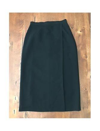 Vtg. 80s Petite Sophisticate Black Wrap Look Skirt (8P)