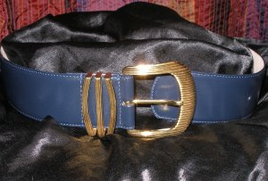 Wide leather vintage navy belt with gold buckle medium
