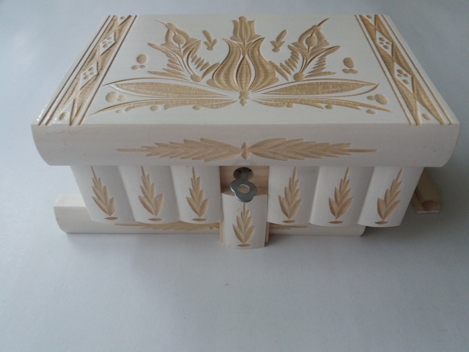 New white carved wooden mystery wizard jewelry puzzle magic box brain teaser