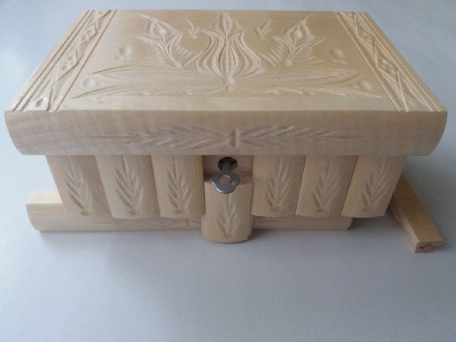 New natural laquered wood carved wizard jewelry puzzle magic box brain teaser